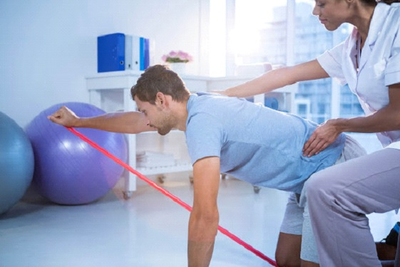 What's The Difference Between Chiropractic Care & Physical Therapy?