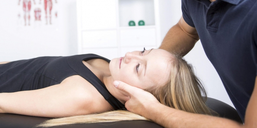 How Chiropractors Can Help Relieve Headaches